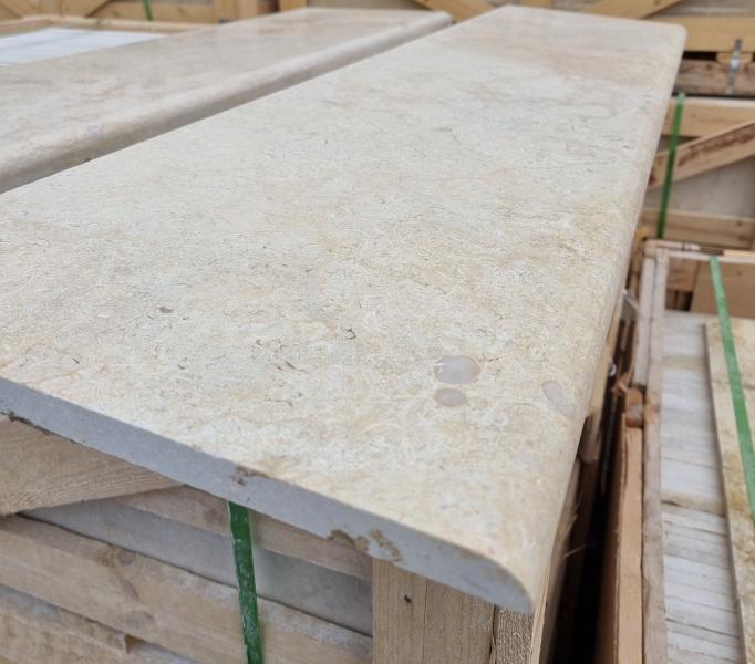 Мрамор пирамиди стъпала 130/33/2cm